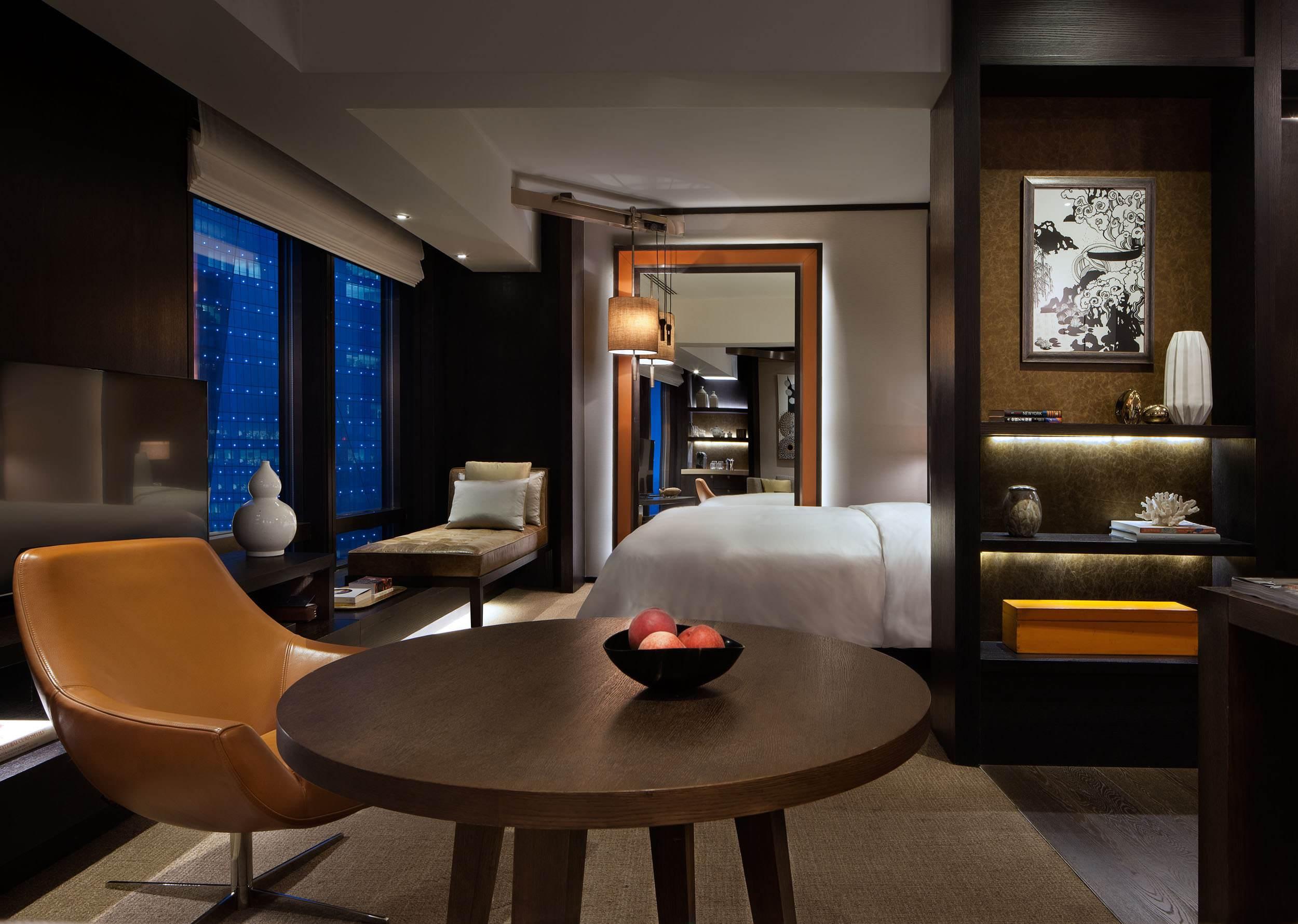 竞争激烈形成的酒店家具行业良好发展。