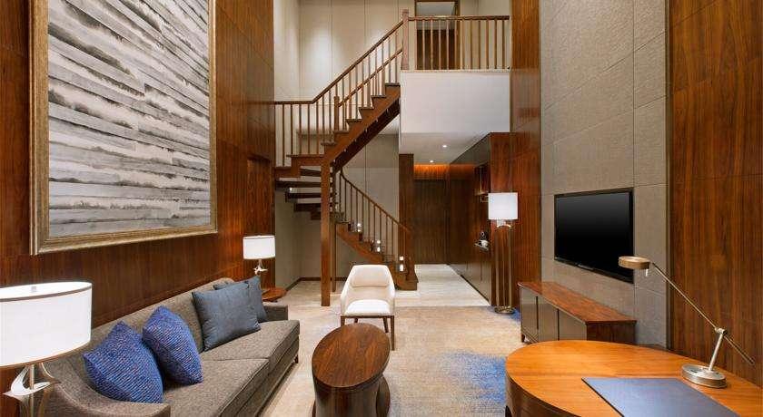 做好维护保养的酒店客房家具是什么体验!